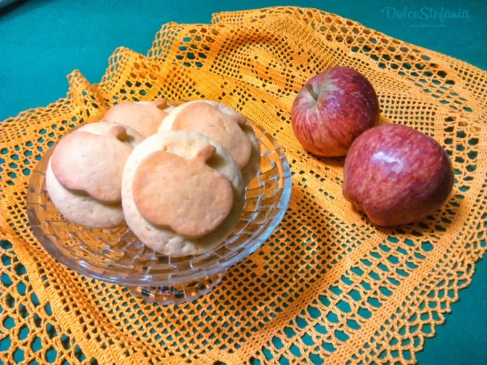biscotti-cuor-di-mela-dolcestefania